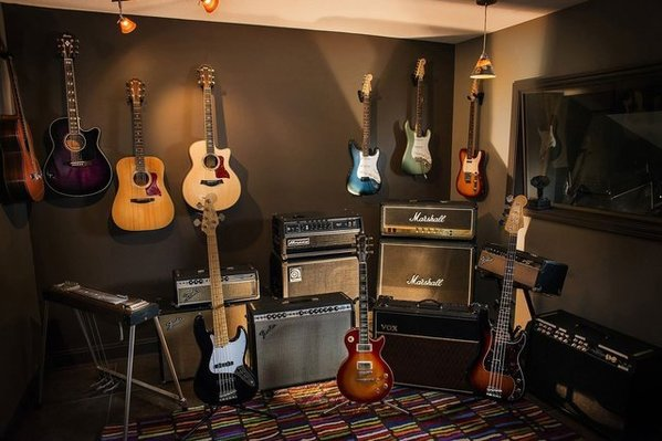 amps-and-guitars.jpg